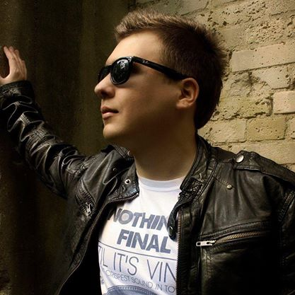 Arctic Moon – Tomasz Popielarski – biografia